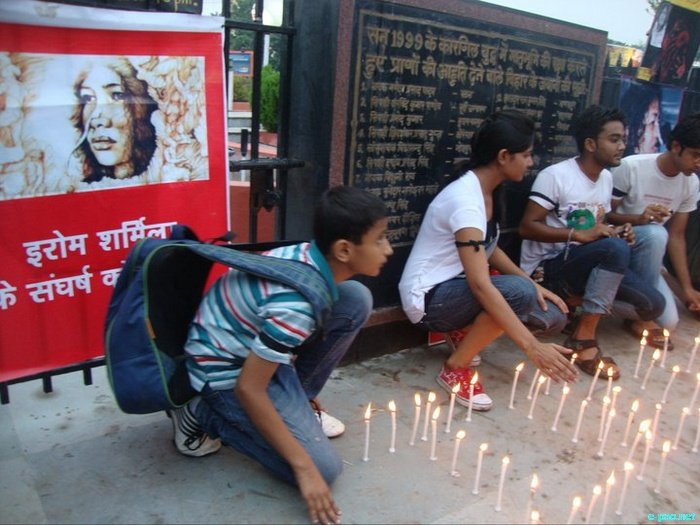 Candle Light March in support of Irom Sharmila at Kargil Chowk, Patna :: July 01 2011