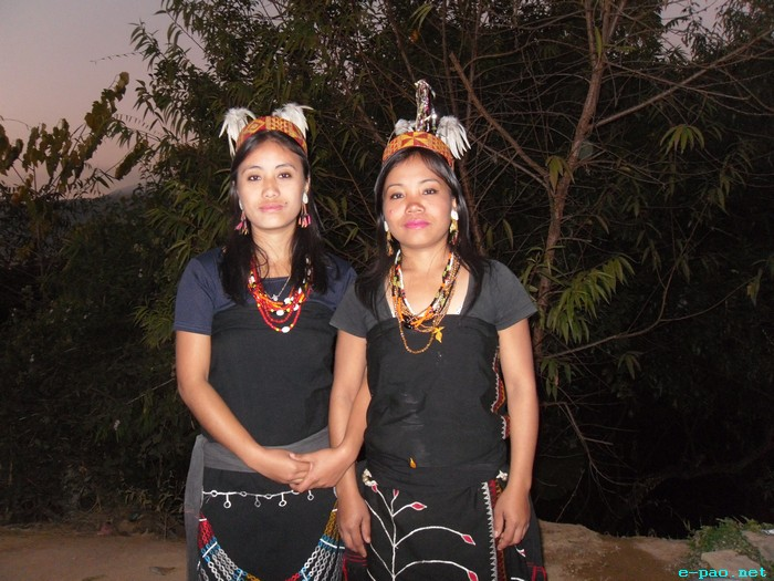 Maring Lasses in Traditional Attire