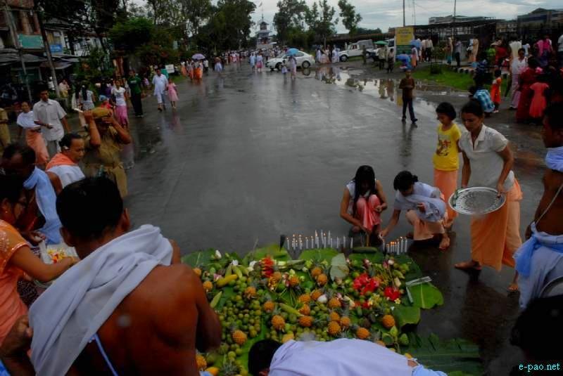Konung  'Kang Chingba' - Rath Jatra - in Imphal, Manipur :: June 21 2012