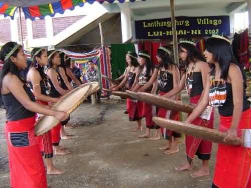 Lui Ngai Ni Celebrations at Senapati, Manipur :: February 15, 2007