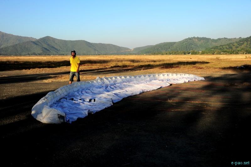 Para-Sailing Event during Manipur Sangai Tourism Festival 2012 by MMTA :: November 2012