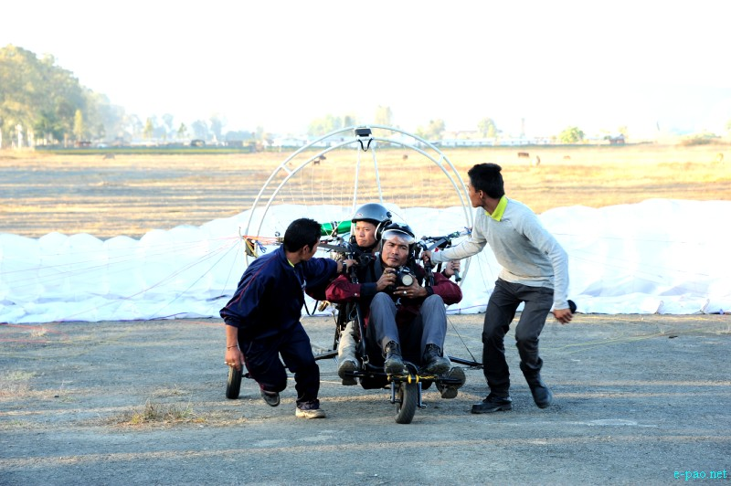 Para-Sailing Event during Manipur Sangai Tourism Festival 2012 by MMTA :: November 2012