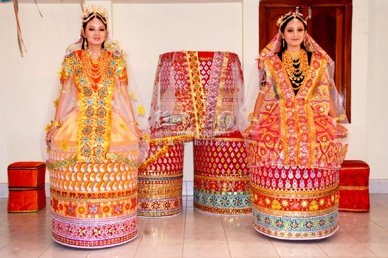 Modern potloi , the Meitei Traditional Bridal Costume as seen in all its glamorous shot from Jenny Khurai - Make-up Artist