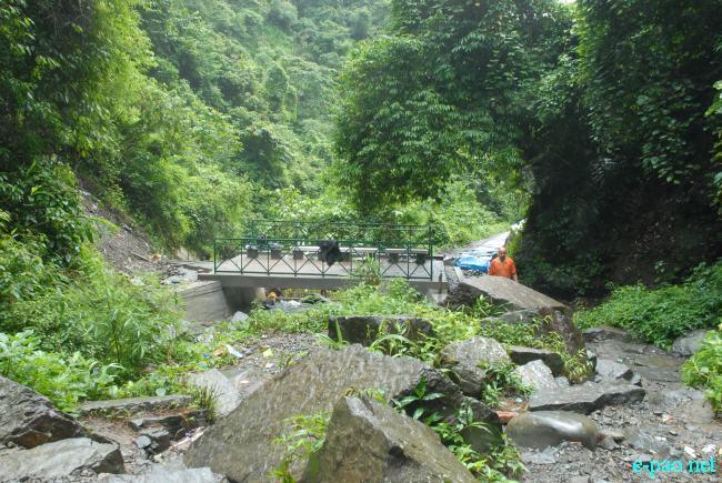 Sadu Chiru Waterfall at Leimaram  :: October 2010