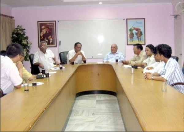 Members of SHDDC address the media in Delhi