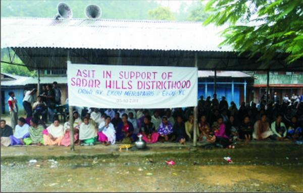 Sit-in-protest demanding Sadar Hills district  at Ikou Bazar