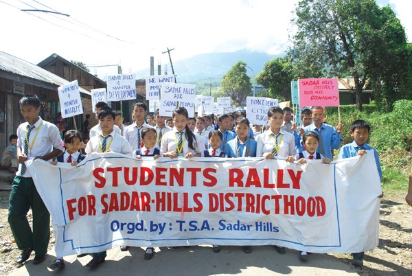 Student taking out a rally at Gamnom, Sapermeina