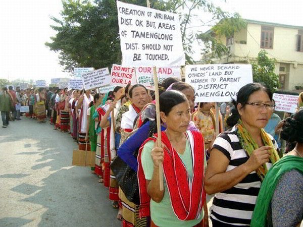 Zeliangrong womenfolk from Senapati, Ccpur and Sadar Hills areas taking out a rally against the Sadar Hills