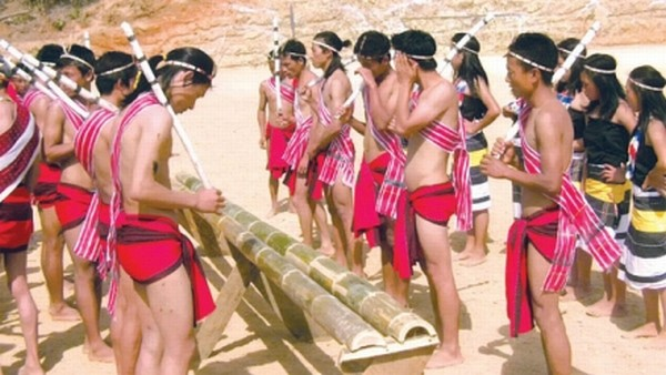 Cultural troupe of Ningthi village enacting the Tangkhul traditional fishing scene