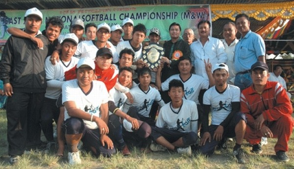Manipur�B team who had clinched the overall team champions� title in the 1st Sub Junior, Junior and Senior North East Jeet Kune Do Championships 2012 organised by the Jeet Kune Do Association of Manipur (JKAM) at the Indoor Stadium, Khuman Lampak, Imphal