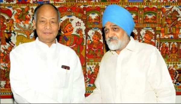 Chief Minister O Ibobi with Montek Singh Ahluwalaia