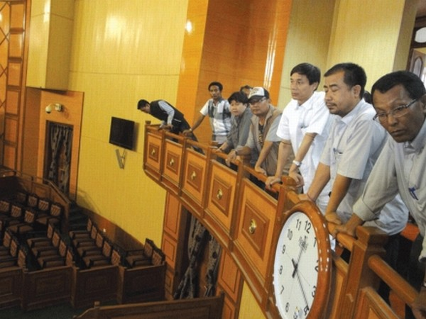Speaker Th Lokeshwar inspecting Assembly hall along with mediapersons