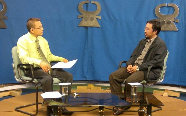 DK Senior Commentator Toto Nurumi (left) and Editor of NEPS News Service Oken Jeet Sandham (right) seen here at DDK Studio during Live Discussion on important issues of the State under 'Trends of Nagaland'