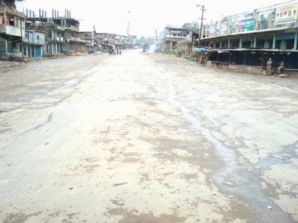 A deserted street of Senapati bazar during the bandh