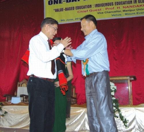 MLA Alexander Pao honouring Prof HNK Sharma
