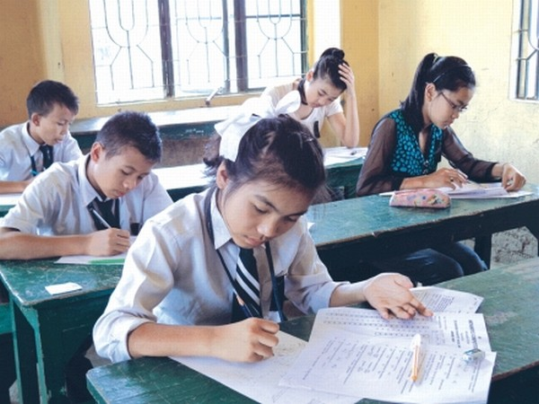 Students participating in the 4th district level Mathematics competition in September 02 2012