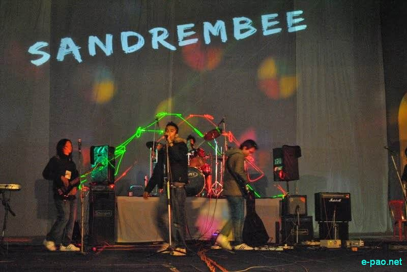 Sandrembee performing live