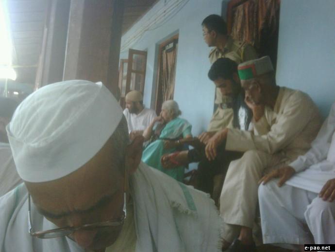 Jan Karwan Members Detained by Police at Imphal Porompat on October 28 2011